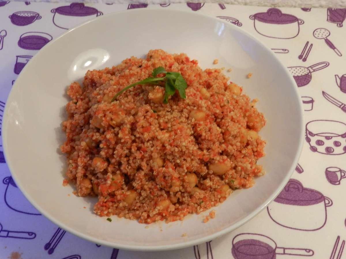Heißer Quinoa-Kichererbsen-Salat