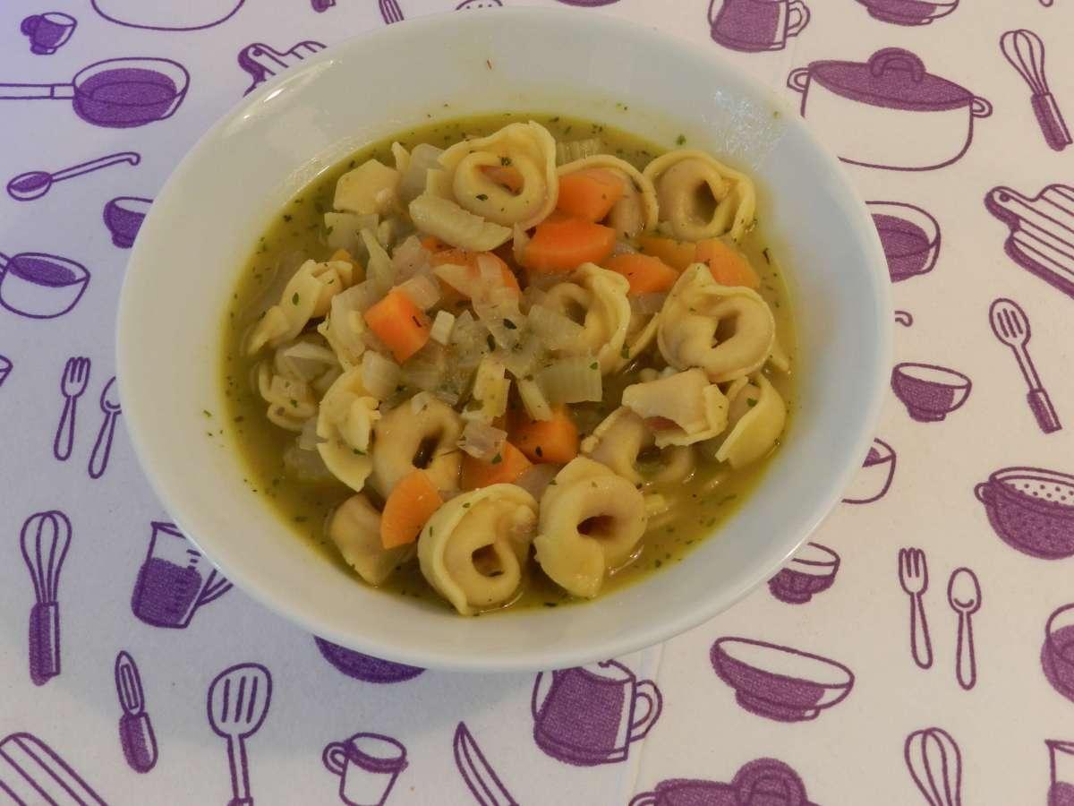 Tortellini-Pesto-Suppe