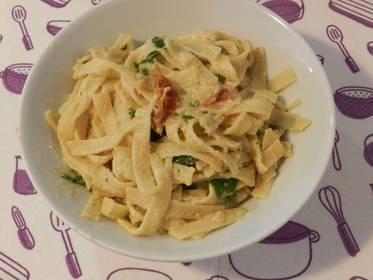 Cremige Hummus-Pasta