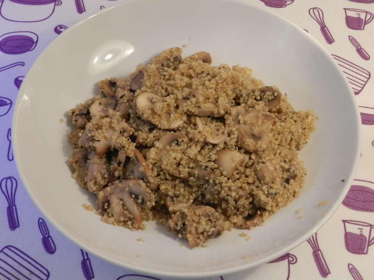 Schnelle Quinoa-Pilz-Pfanne